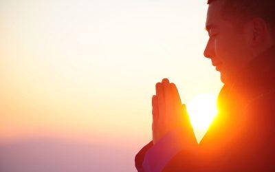 Meditar para reconectarnos con el Universo